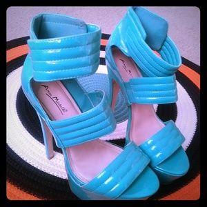 Woman Heel